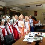 Primarul Aurel Aimionescu a fost colindat de un grup de rusi lipoveni