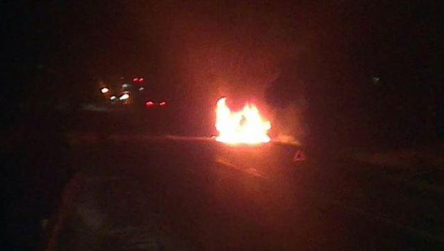 O masina a luat foc in mers