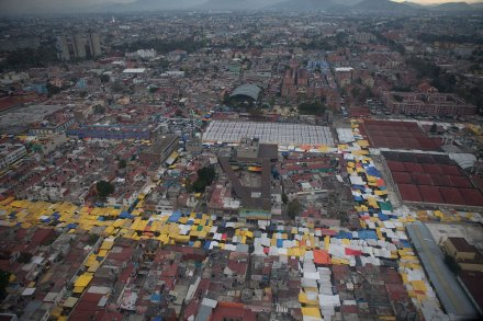 Vendedores ambulantes en Tepito.  Foto: Eduardo Miranda