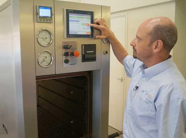 Colin Hartop lança autoclave ESTS Logiclave300L