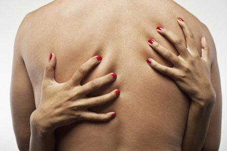 Proč ženy škrábou