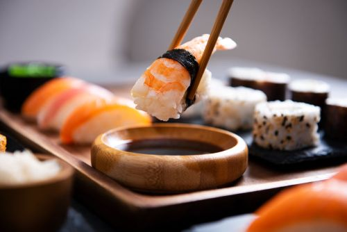 jídla sushi