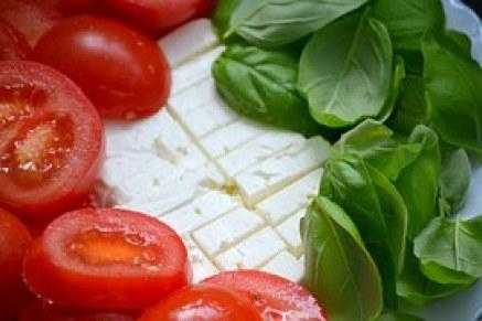 pomodoro formaggio e basilico