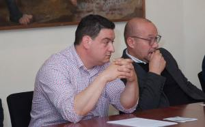 sindaco Monsano Roberto Campelli e a dx presidente il Borgo della Canapa Fabio Iencenella