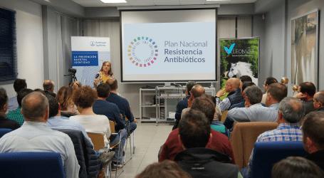 Cristina Muñoz presenta en Leonvet, de la mano de Boehringer Ingelheim, las claves del Plan Nacional frente a la Resistencia a los Antibióticos