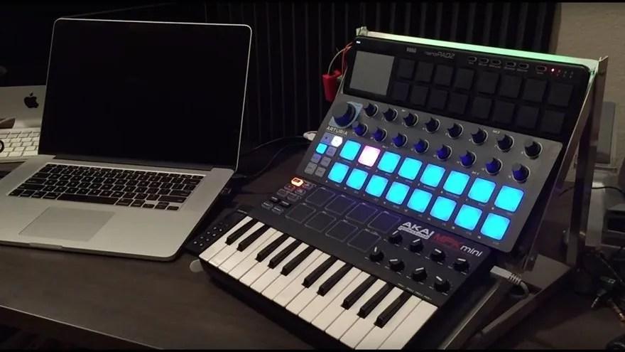 4. Controlador MIDI (teclado MIDI)
