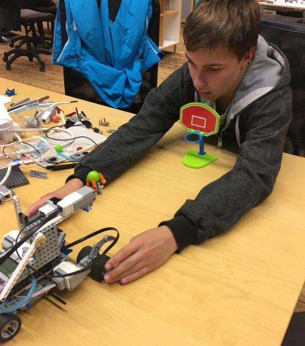 Testar prototypen för att finjustera.