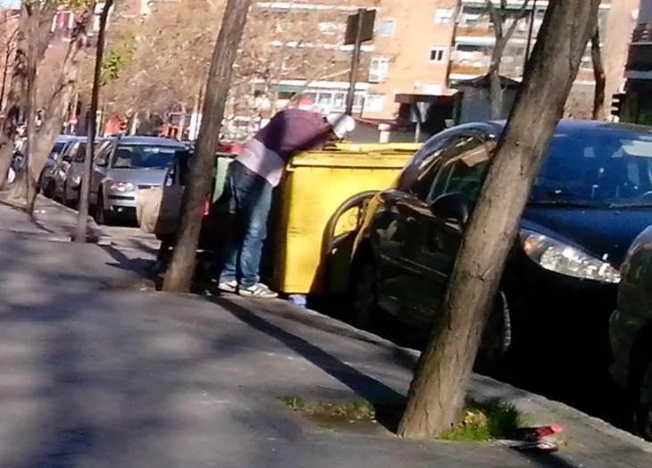 rebuscando en la basura de Madrid