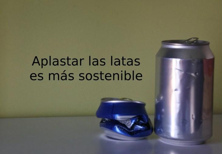 Aplasta las latas antes de tirarlas a la basura, es más sostenible y reduce los costes del reciclaje.