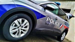 Rhône : Il fracture le bras d'un policier et en frappe un second pour tenter d'échapper à son interpellation