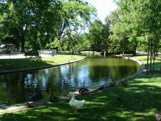 BORDEAUX – Un théâtre de marionnettes à reprendre en plein Jardin public