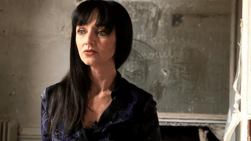 "Maria de Medeiros dans ""Blanche Rhapsodie"" de Claire Ruppli"