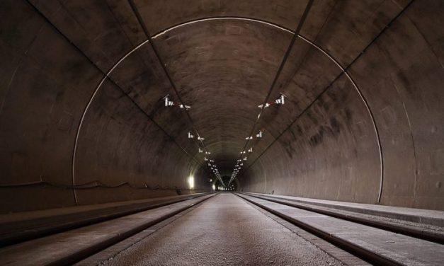 Théâtre interdit dans le tunnel