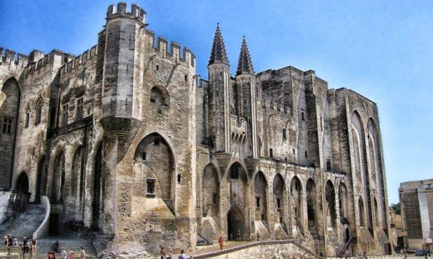 Le festival d'Avignon recrute un responsable de la caisse centrale et du contrôle des recettes (h/f)