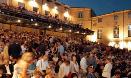 Le Festival d'Aix-en-Provence recrute deux assistants de production (h/f)