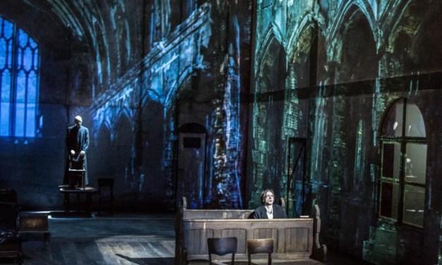 «Le Procès» de Kafka : la plongée en eaux troubles de Krystian Lupa