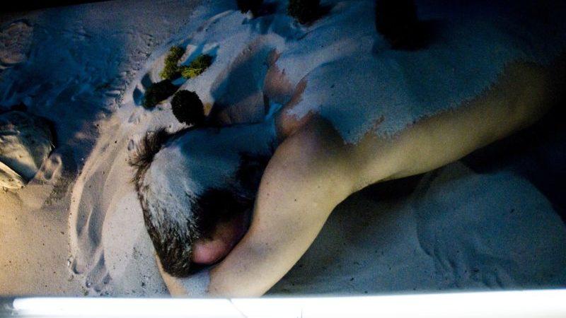 «Kiss & Cry»: Michèle Anne De Mey et Jaco Van Dormael tout en doigté