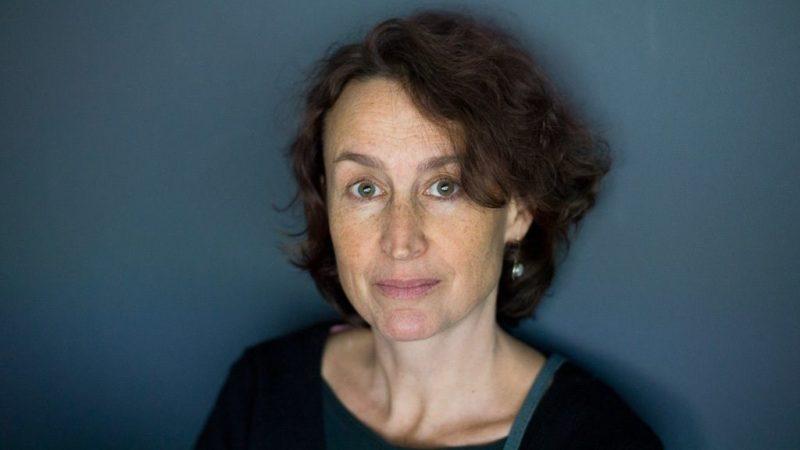 """Avignon Off – """"Molly B."""" : à chaque réalité de James Joyce, la musicalité propre à Cécile Morel"""