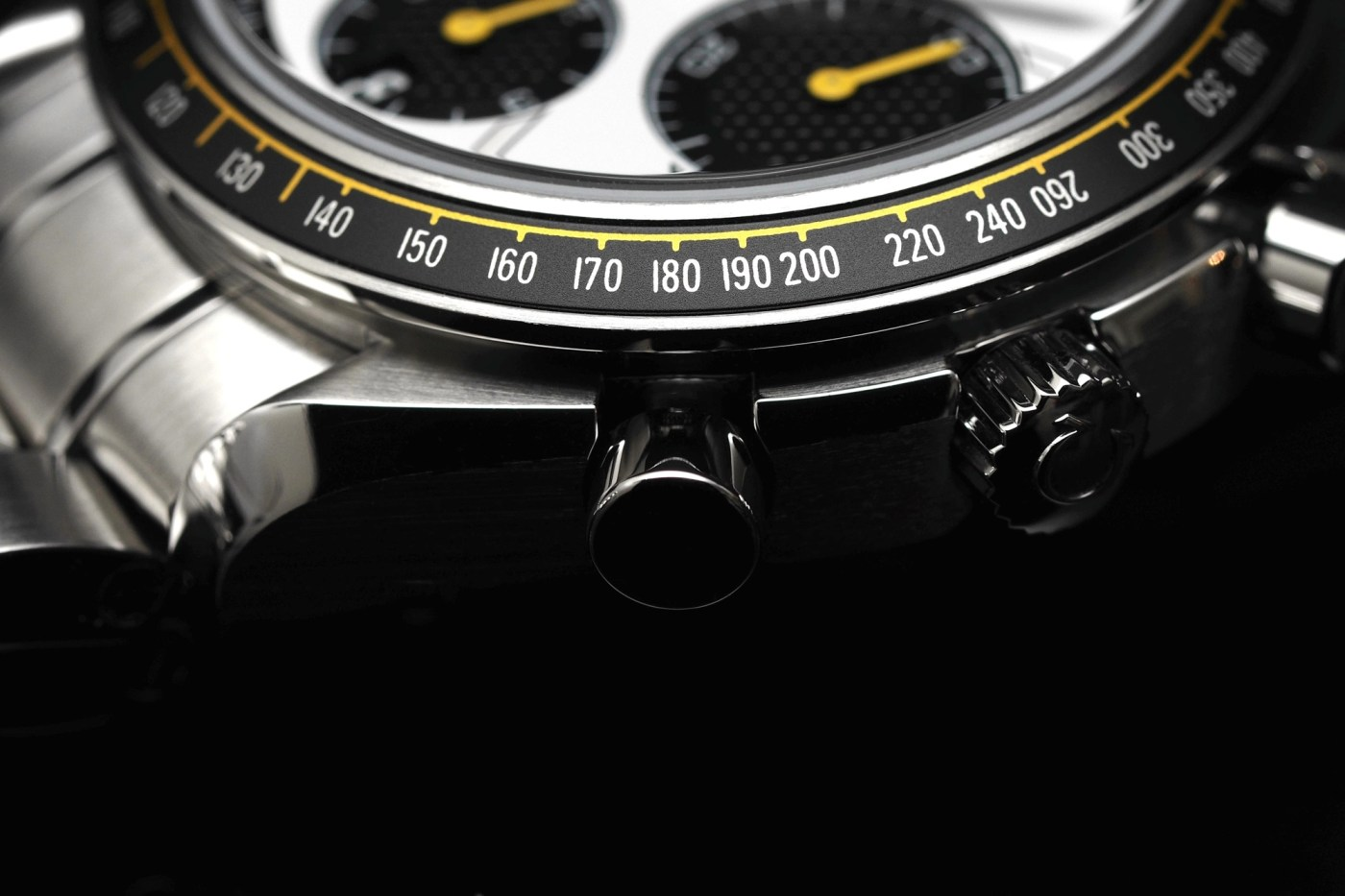 Omega Speedmaster Racing crownshot
