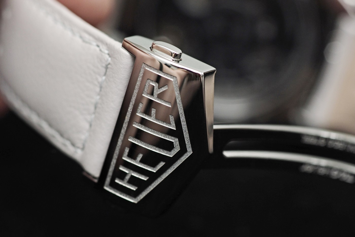 TAG Heuer Mikograph deployant buckle