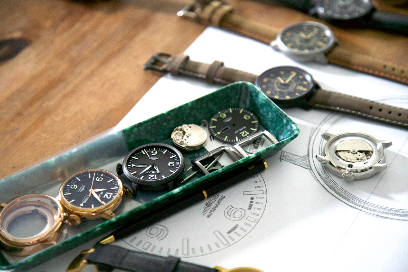 Burlap watches assembly