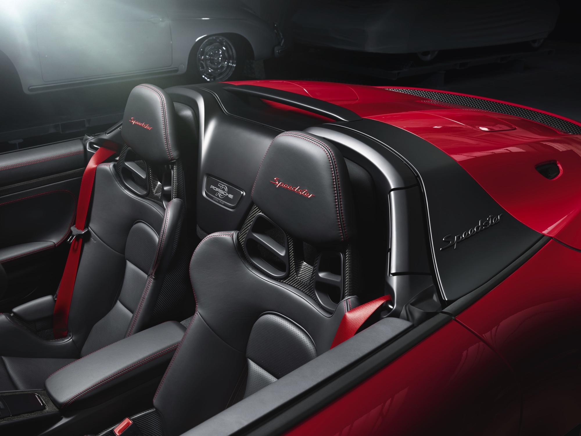 2019 Porsche 911 Speedster interior