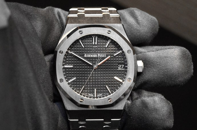 Audemars Piguet Royal Oak 15500 Hands-On