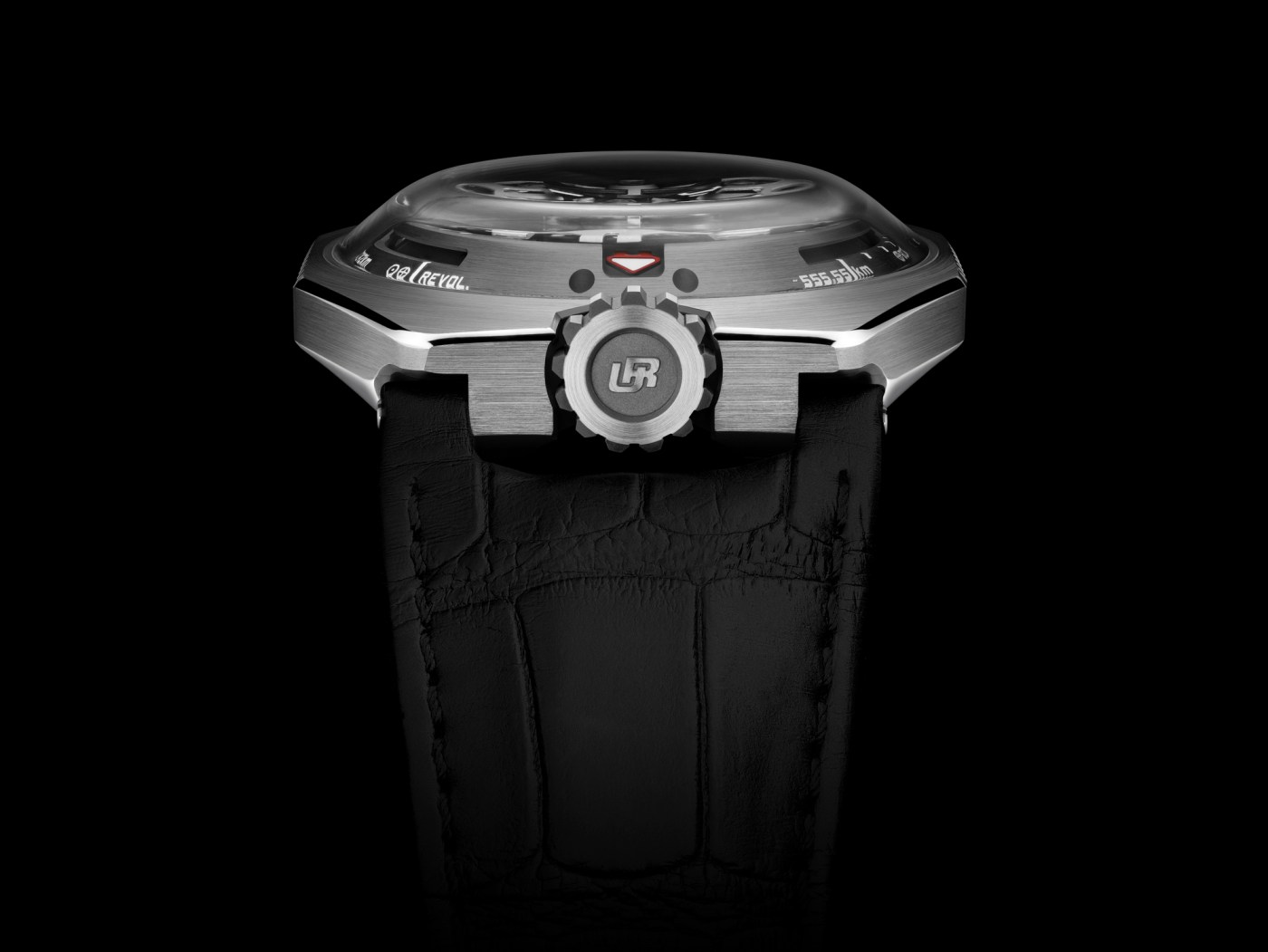 Urwerk UR-100 Spacetime crystal shot