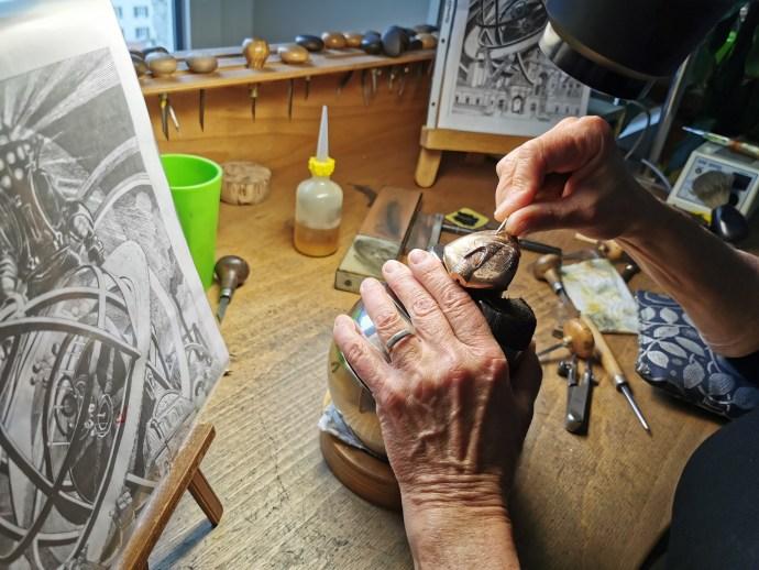 Maestri'Art DW5 Armilia hand engraving