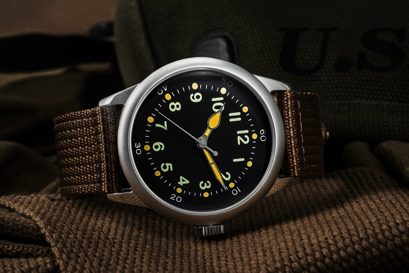 Praesidus A-11 black dial