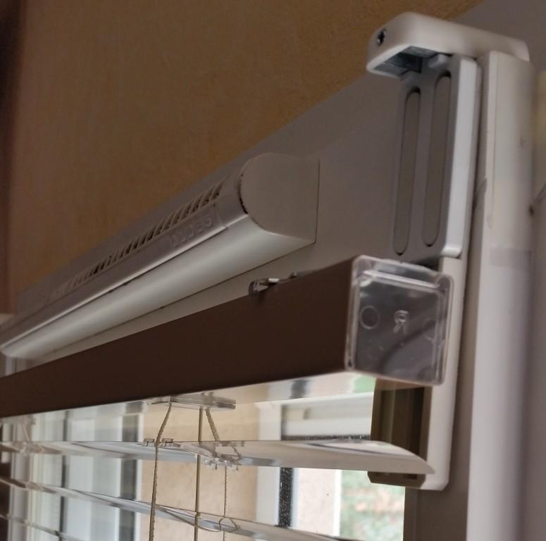 support store universel pour grille de ventilation