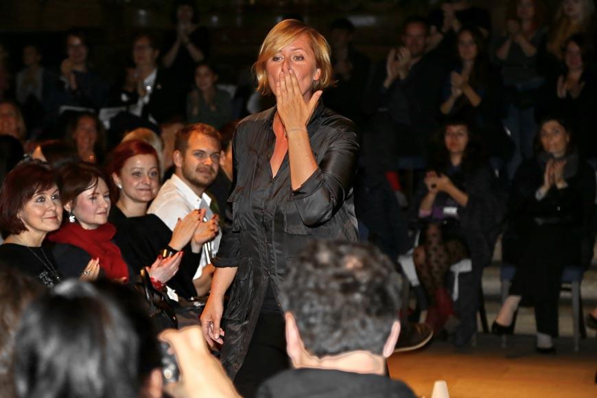 Módní designérka Hana Zárubová na své módní přehlídce kolekce IFORM na Designbloku.