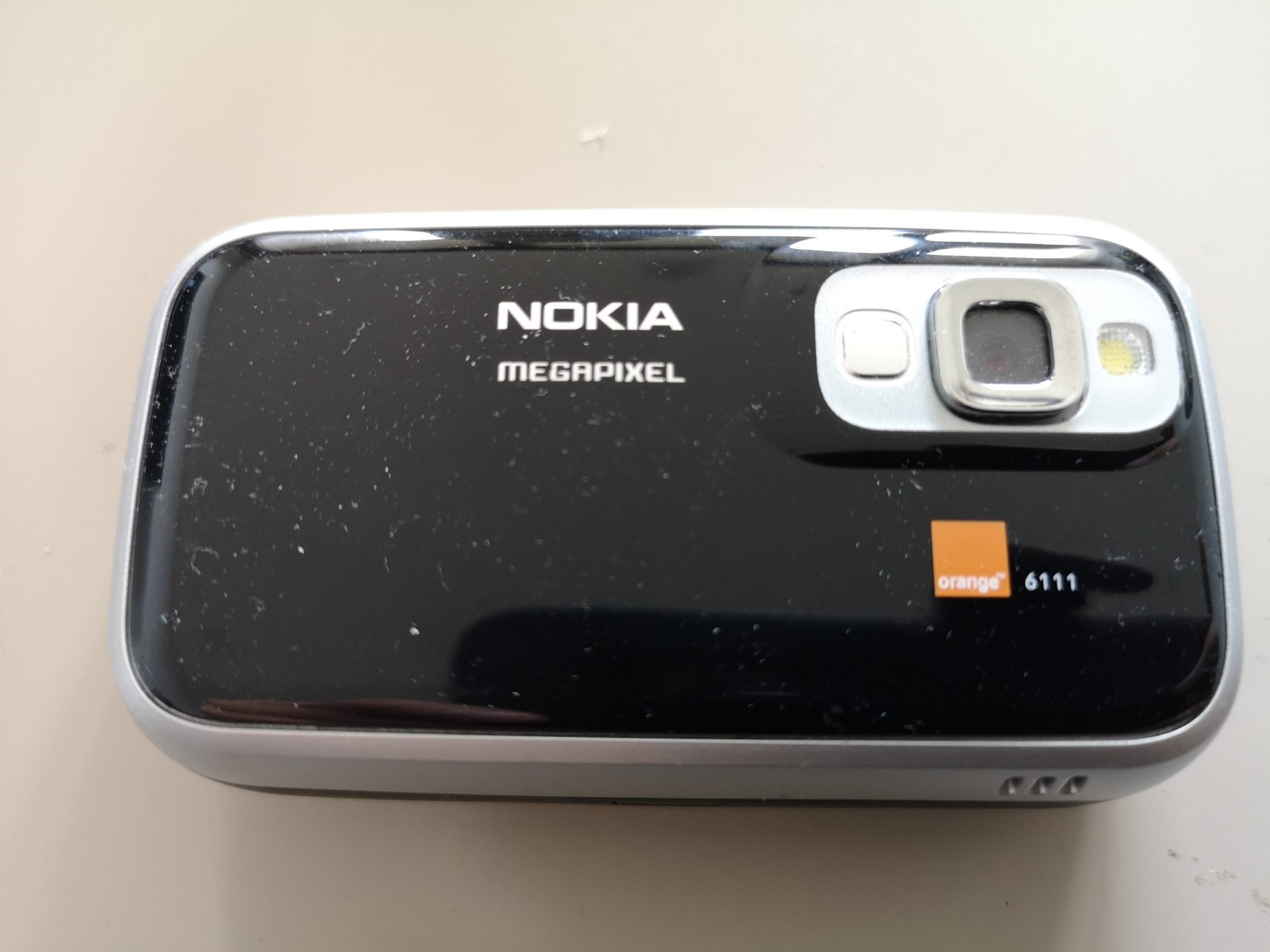 Nokia 6111 Slide Phone Review - Ultra Portable Full-Featured Retro Phone