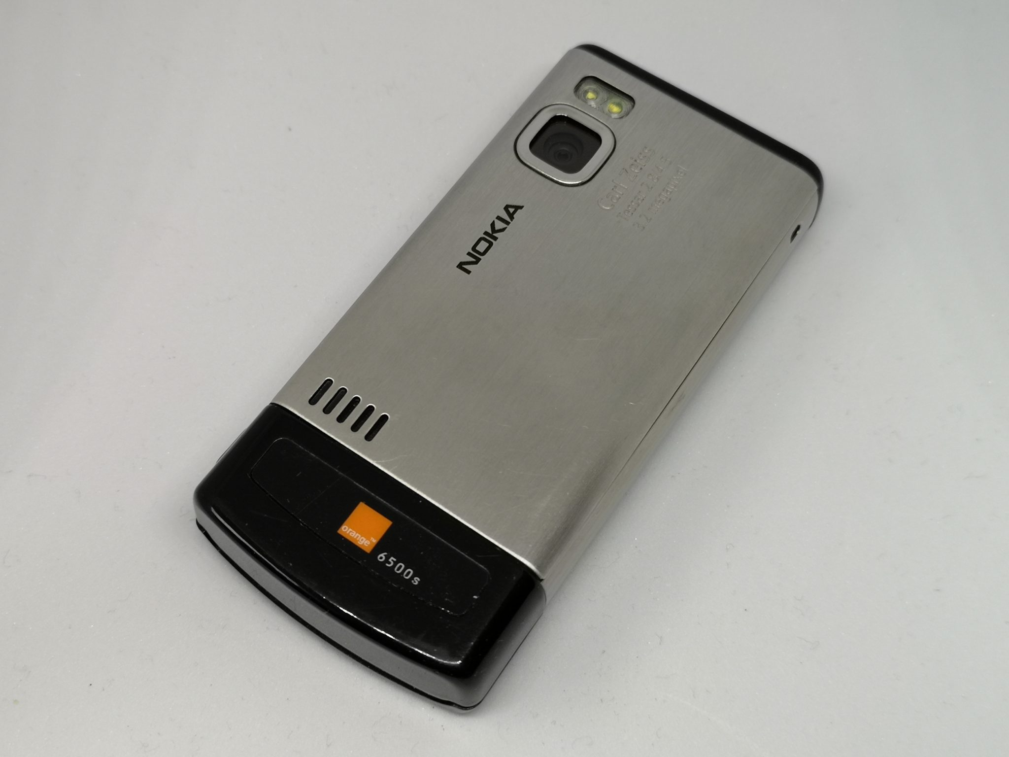 Nokia 6500 Slide Review - Mid-Range Powerful Mobile Phone