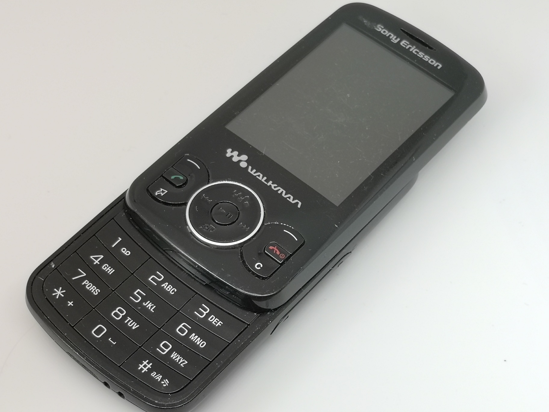 Sony Ericsson W100i Review - Spiro Is The New Mobile Name