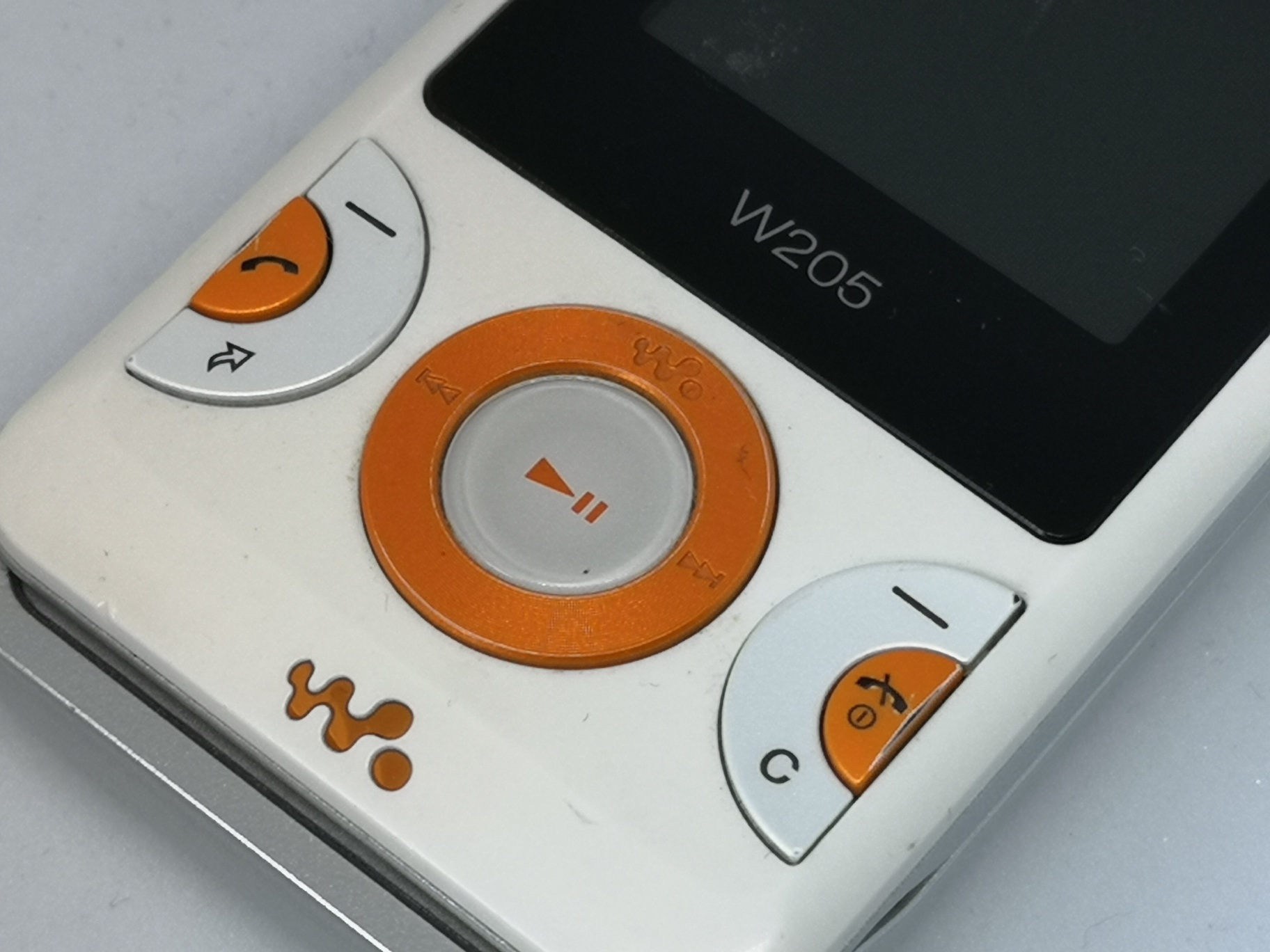 Sony Ericsson W205 Review - Historic Budget Walkman Mobile Phone
