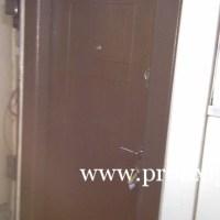 egyszerű fém biztonsagi bejárati ajtó