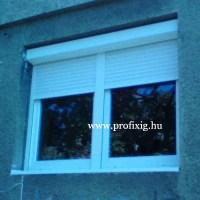 ablak redőnnyel