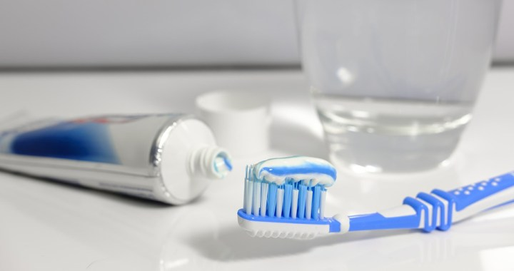 Tooth decay and gum disease in El Salvador
