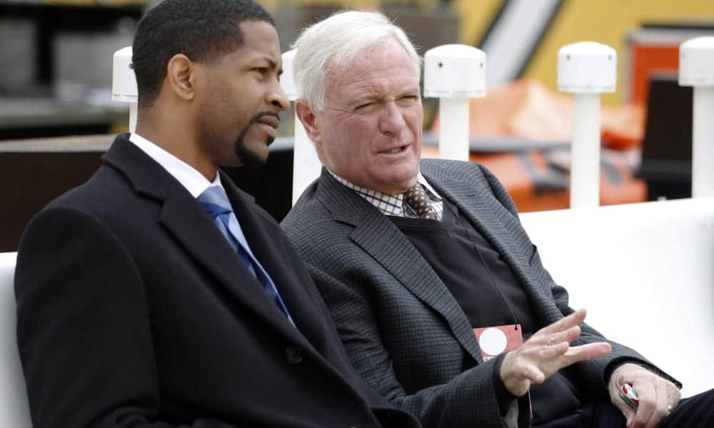 Who is the leading candidate for the Cleveland Browns general manager job?