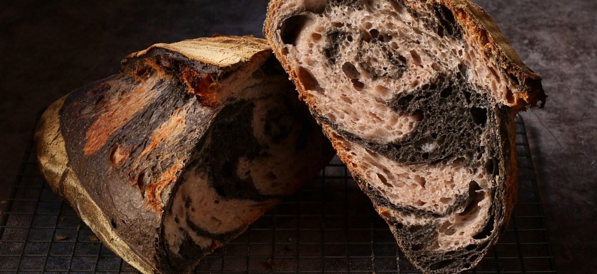 Pane bicolore – a lievitazione naturale e senza coloranti