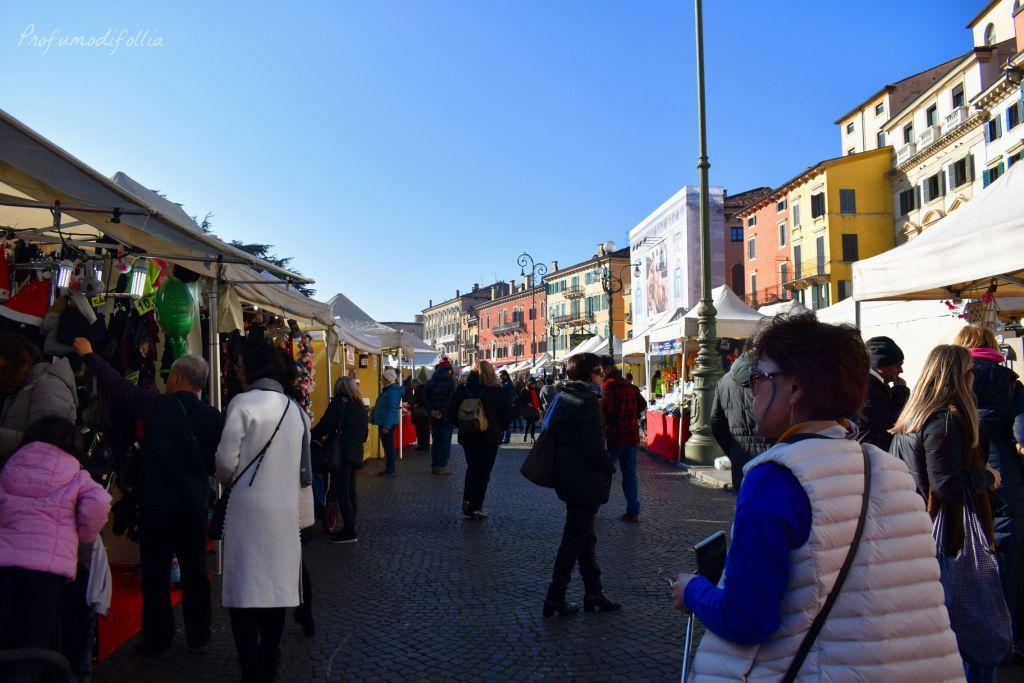 Verona in un giorno a Natale - mercatini di Piazza Bra