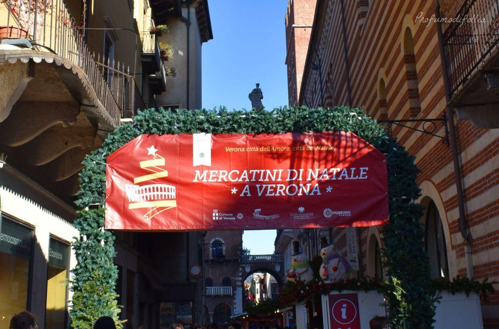 Verona in un giorno a Natale - insegna dei mercatini di Verona