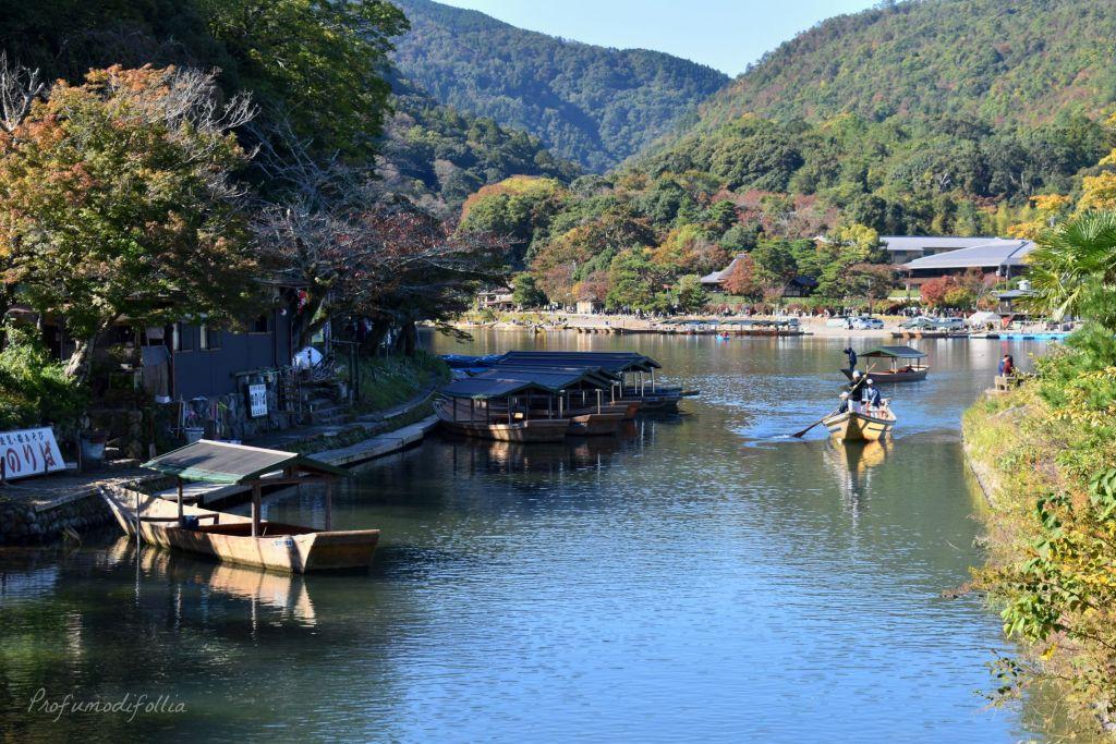 Visita ad Arashiyama: barche sul fiume