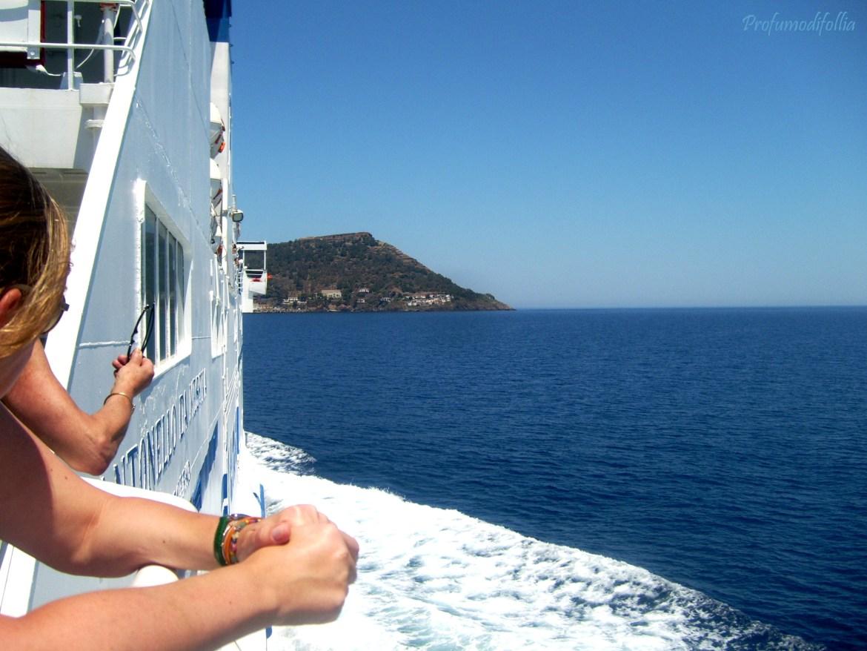 in nave verso Ustica