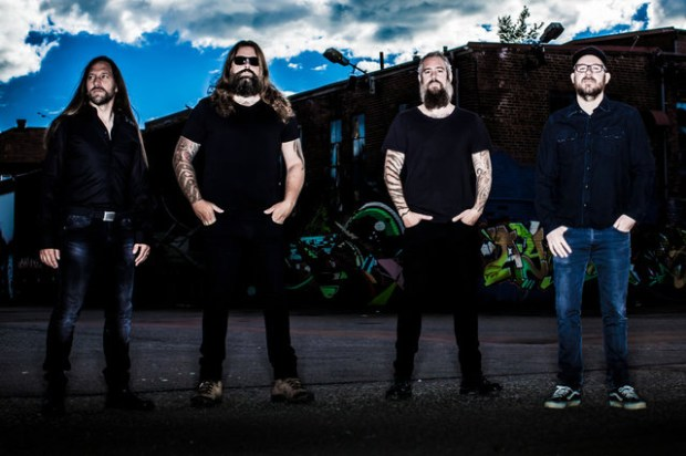 """IN FLAMES Premiere Live Clip for """"Everything's Gone"""""""