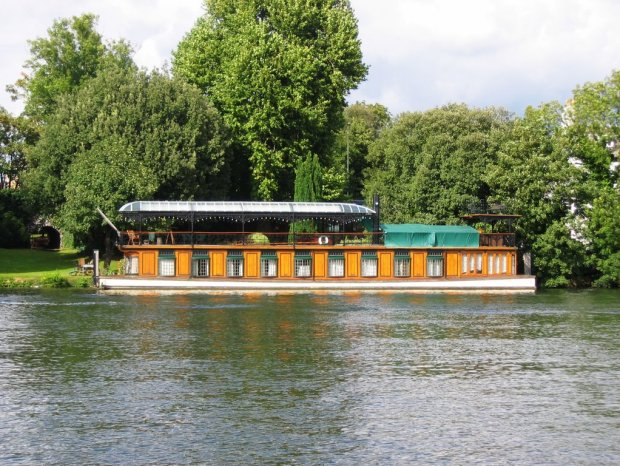 Astoria houseboat