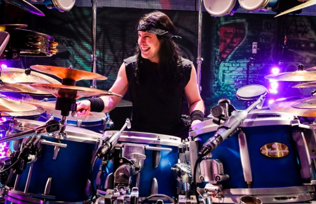 DREAM THEATER's MIKE MANGINI to Unveil Art Collection