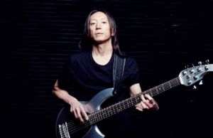"JOHN MYUNG on Playing 6-String Bass: ""It Makes You Play Differently"""