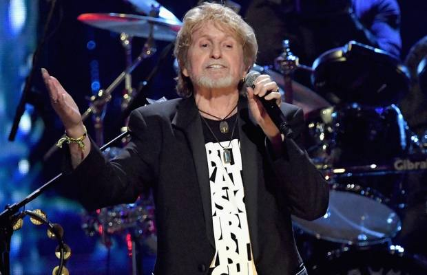 """Watch: YES Tribute Film + """"Owner Of A Lonely Heart"""" at Rock & Roll Hall of Fame 2017"""